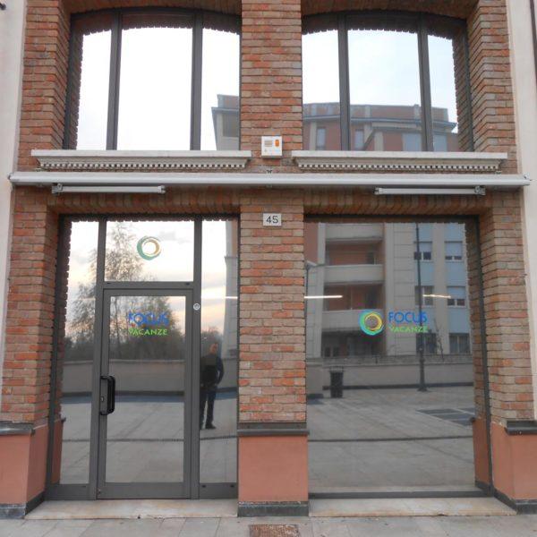 Pellicole Solari per Vetrine Brescia, Treccani Pubblicità