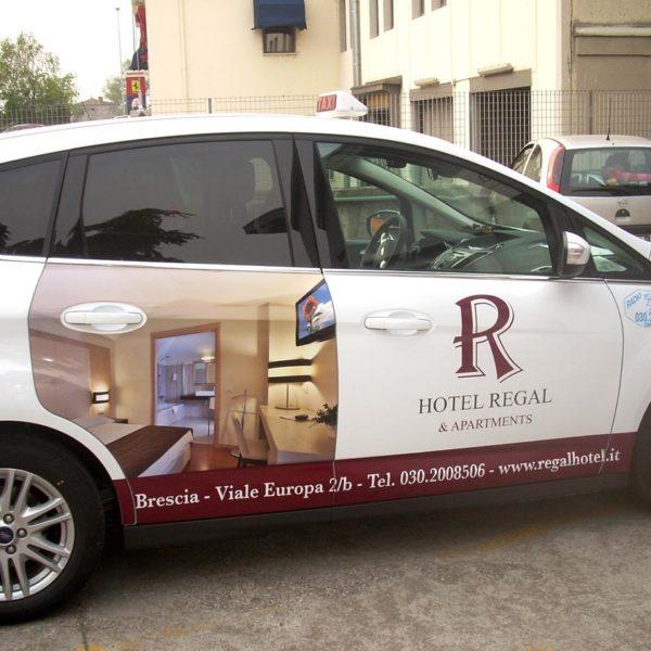 Decorazione taxi Brescia, Treccani Pubblicità
